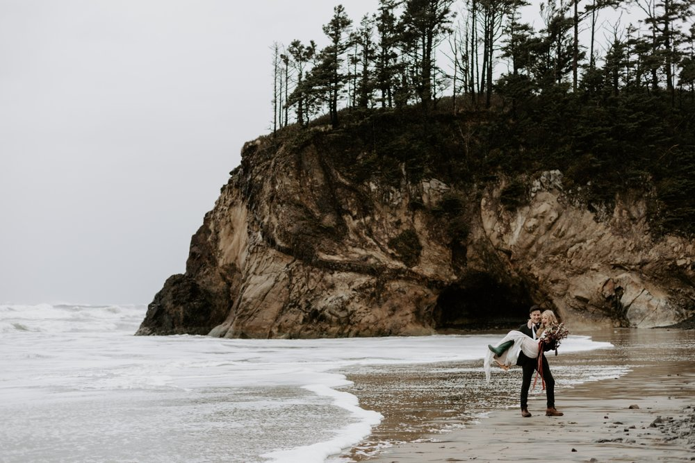 adventurous-oregon-elopement-2018-05-02_0004.jpg