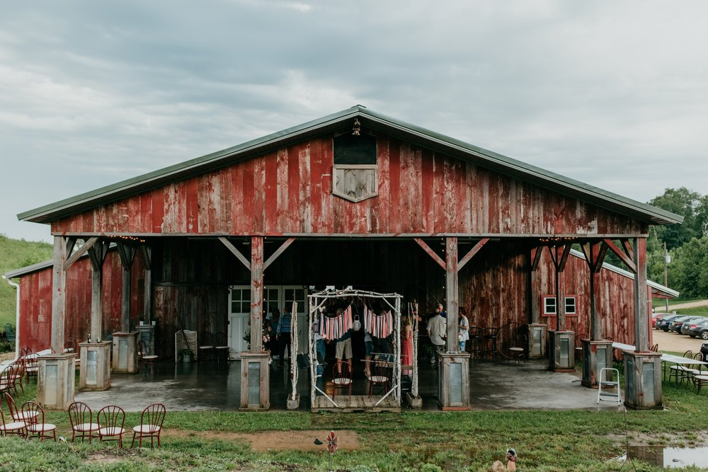 wisconsin-barn-wedding-2018-06-25_0081.jpg
