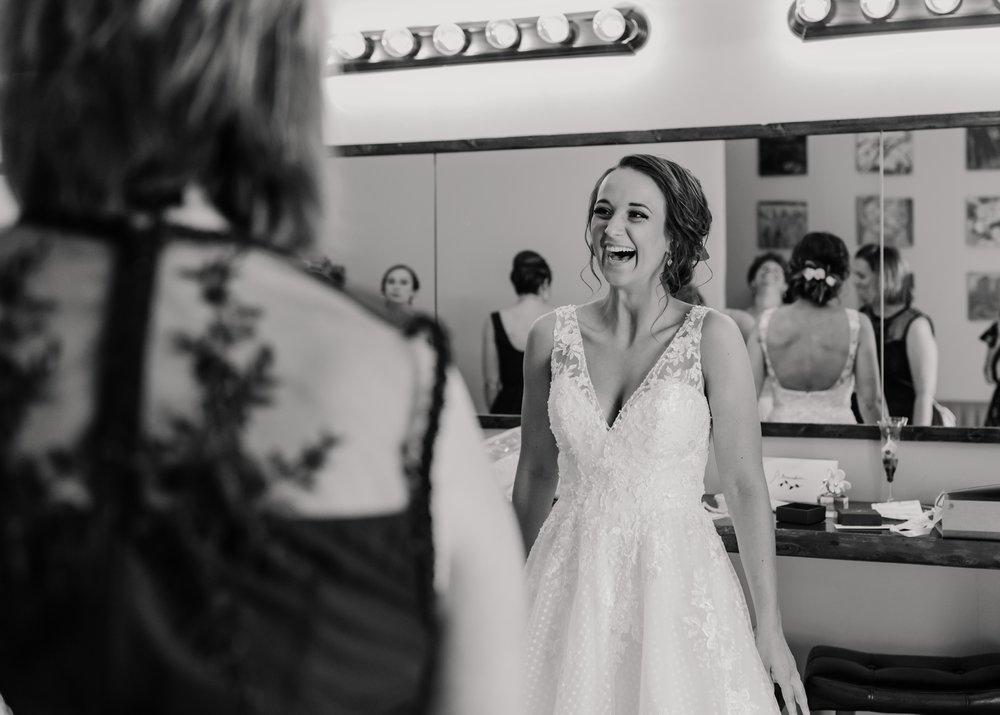 2019-01-21-natural-outdoor-wisconsin-wedding-photographer_0005.jpg