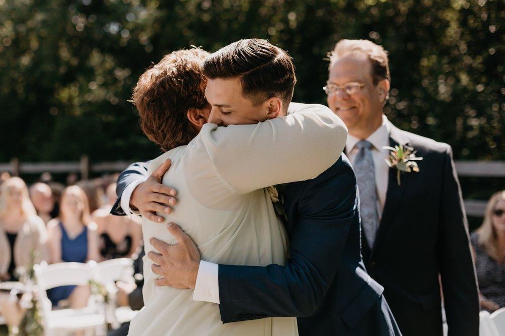 2019-01-21-natural-outdoor-wisconsin-wedding-photographer_0012.jpg