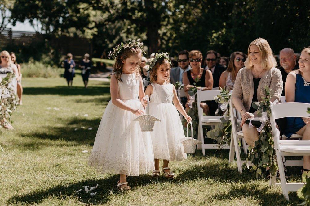2019-01-21-natural-outdoor-wisconsin-wedding-photographer_0014.jpg
