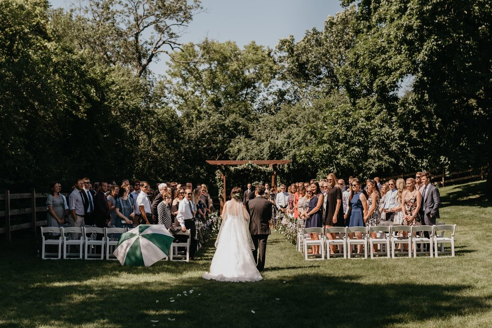2019-01-21-natural-outdoor-wisconsin-wedding-photographer_0021.jpg