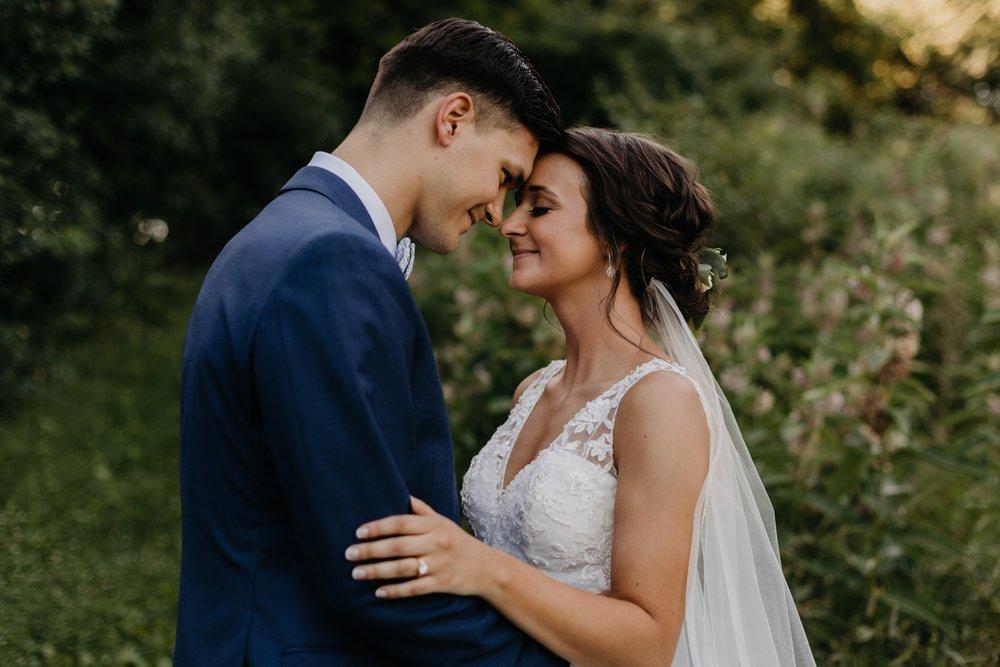 2019-01-21-natural-outdoor-wisconsin-wedding-photographer_0034.jpg