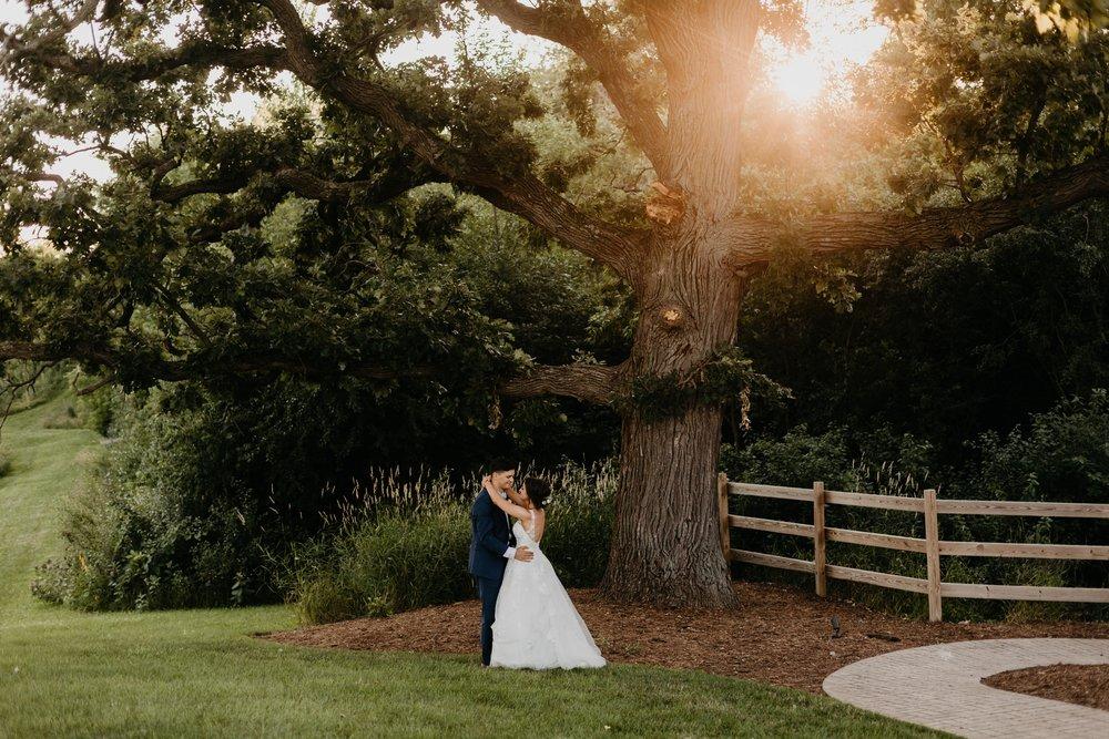2019-01-21-natural-outdoor-wisconsin-wedding-photographer_0051.jpg