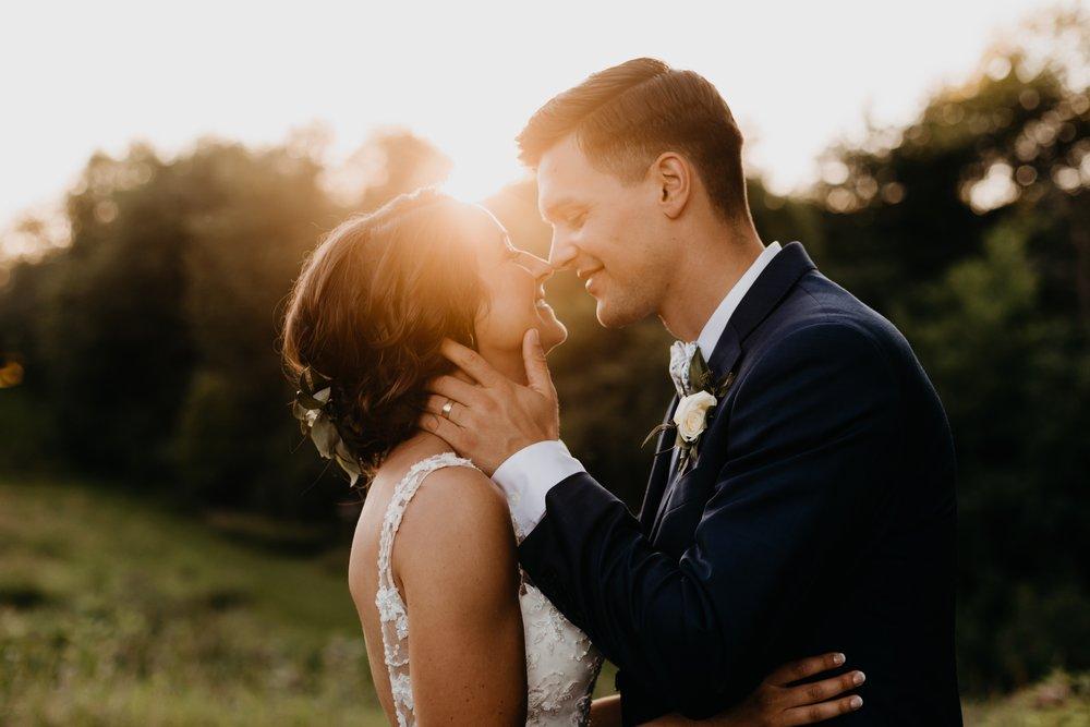 2019-01-21-natural-outdoor-wisconsin-wedding-photographer_0054.jpg