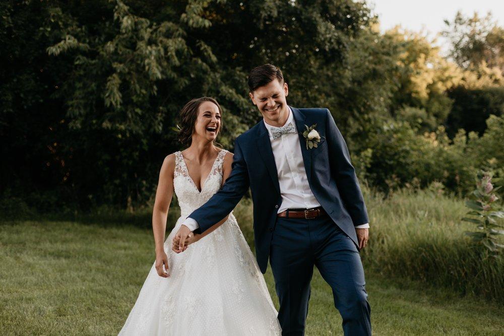 2019-01-21-natural-outdoor-wisconsin-wedding-photographer_0055.jpg
