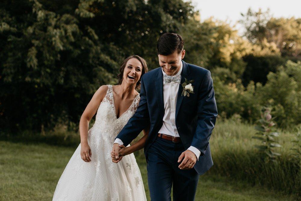 2019-01-21-natural-outdoor-wisconsin-wedding-photographer_0056.jpg