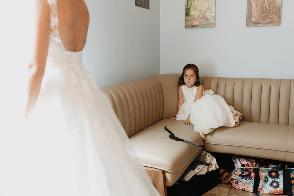 2019-01-21-natural-outdoor-wisconsin-wedding-photographer_0078.jpg