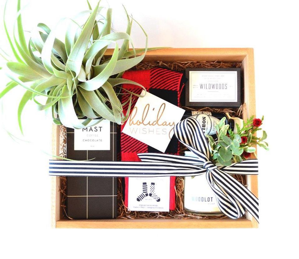 Photo Credit:  Rhosyn Floryal  Noble Gift Box