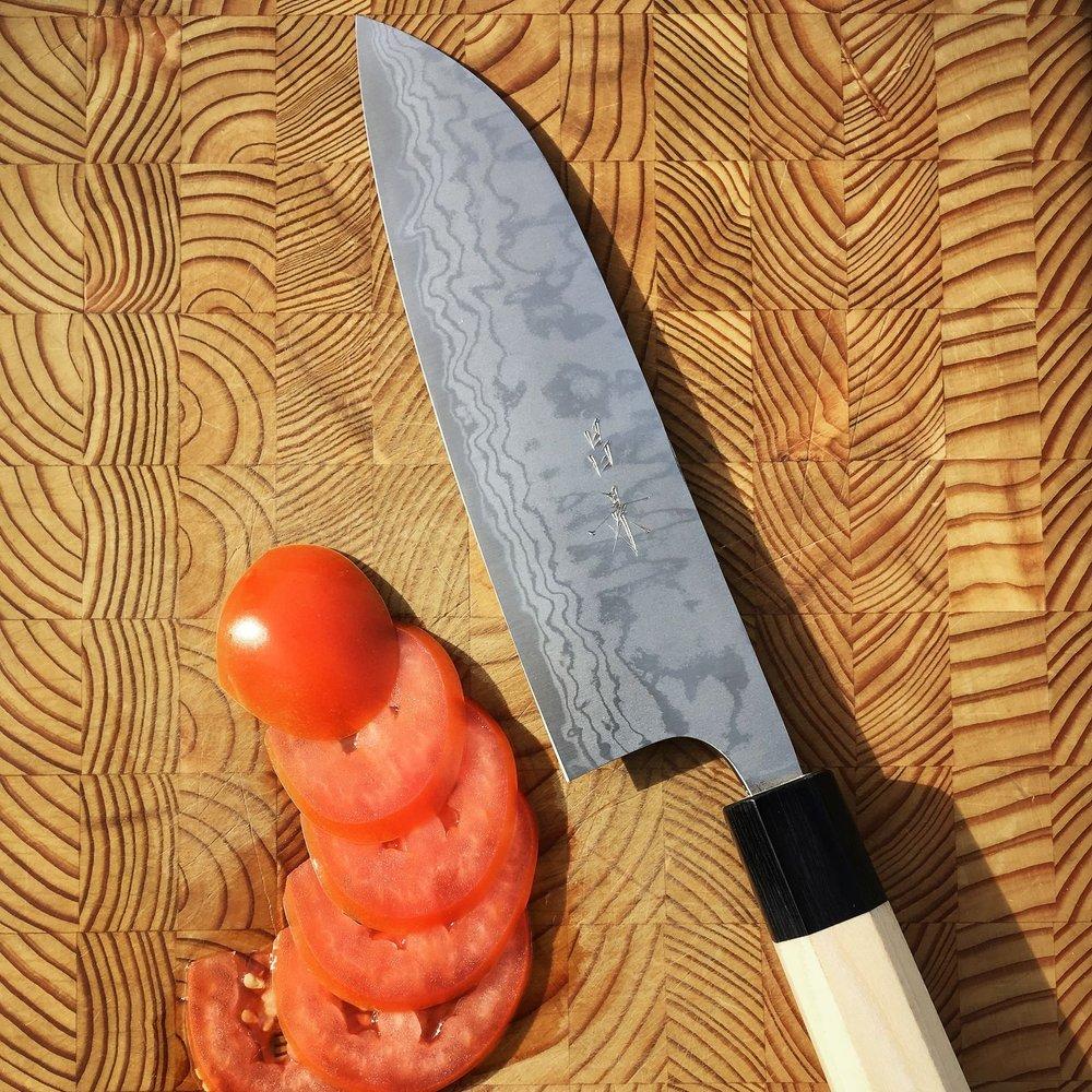 knifewear_21909258_267479037096857_2634265938429476864_n.jpg