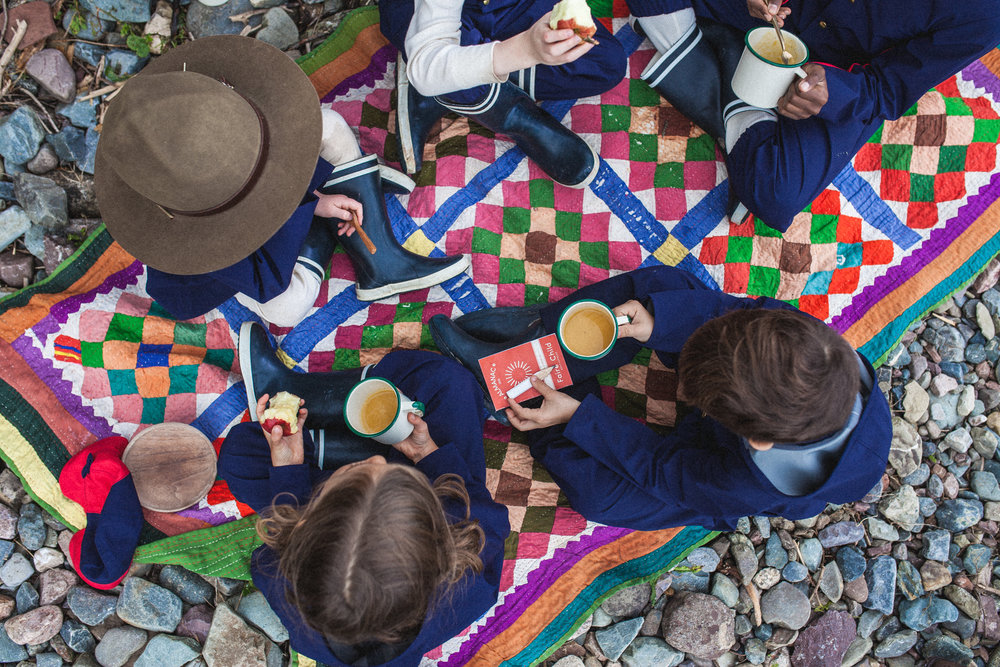 kids-having-picnic-toddler-outdoor-clothing.jpg