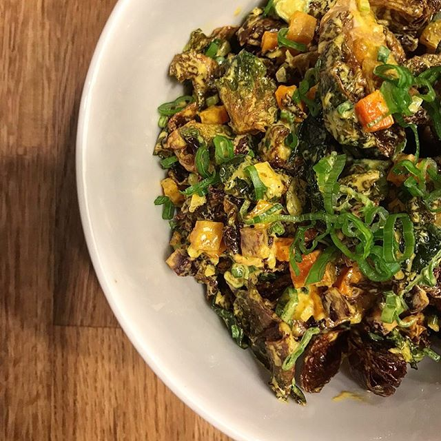 @parktotable's fried brussels sprouts with indian curry. warm. comforting. tickets sold out for tonight, but his next date LINK IN BIO. #parktotable #littlemeatsla