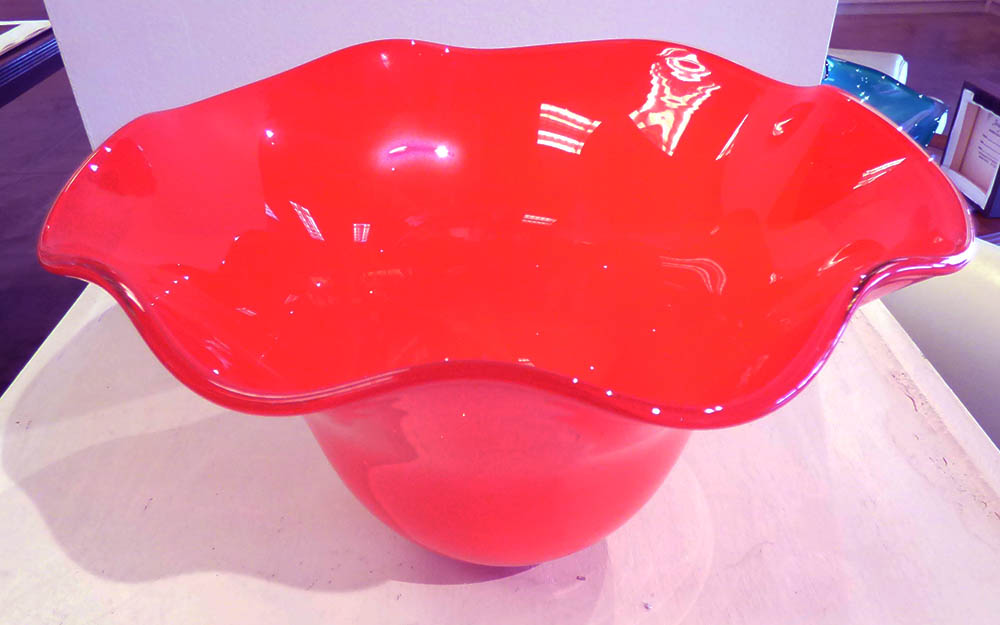 Red Standard Scallop Bowl (16-24200)