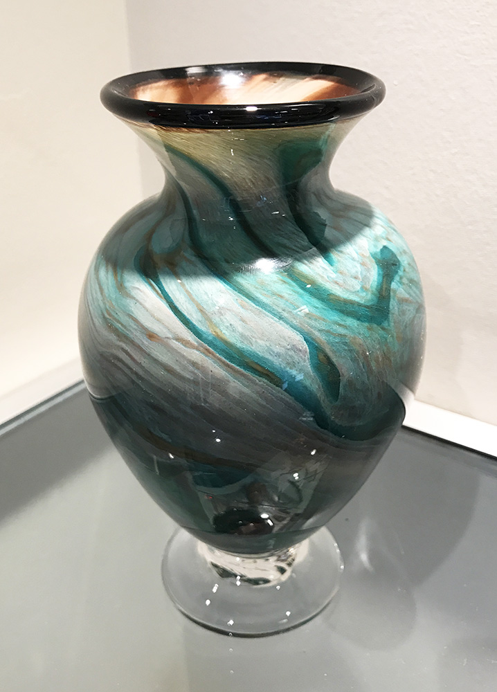 Footed Amphora Vase, green agate (17-24634)