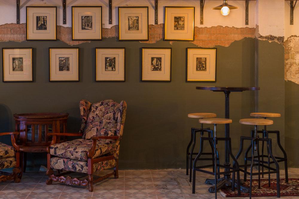 MoyasJL_lounge prints.jpg