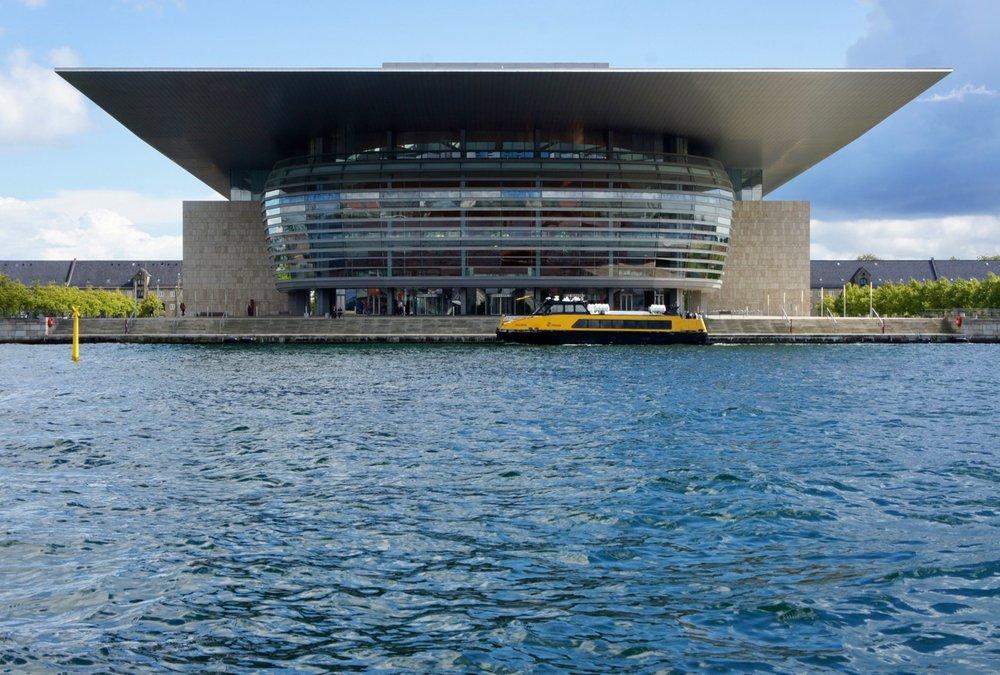 Opera house,Henning Larsen