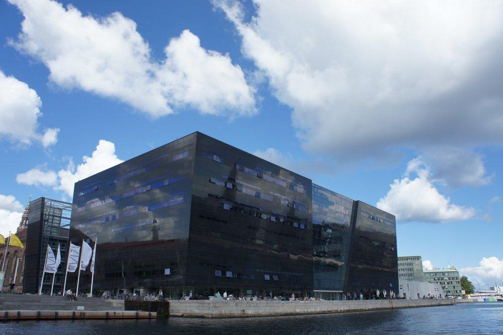 Black Diamond, uitbreiding Koninklijke bibliotheek