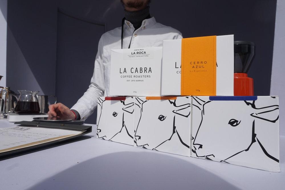 (今回は La Cabra Coffeeをサーブ。ゲイシャとケニアが人気でした。)