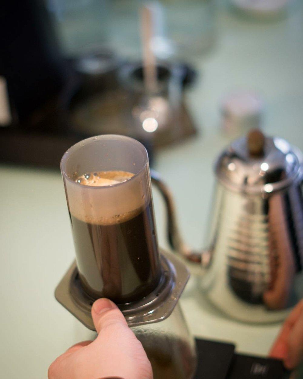 エアロプレス (出典 The Coffee Collective )