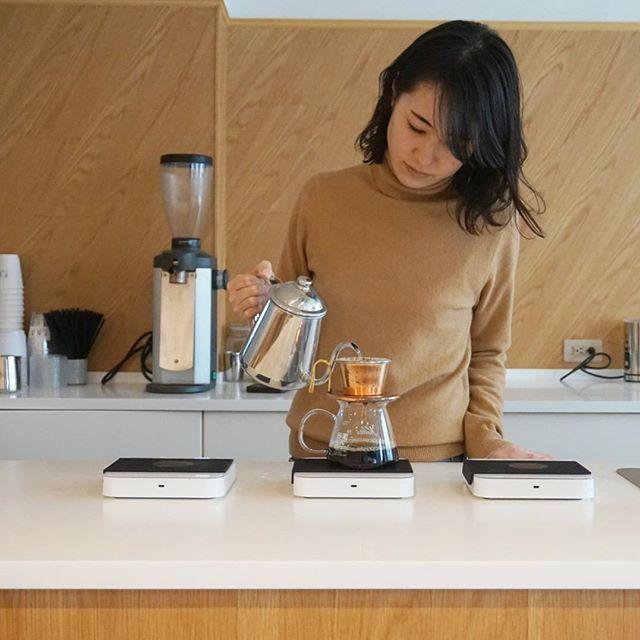 おはようございます!今日も寒くなりそうですね❄️ 温かくしてお出かけください!ほっとするコーヒーを淹れてお待ちしております☕️🍂 ⚫︎ Morning! Getting colder in Tokyo ❄️ Stay warm with good coffee☕️🍂