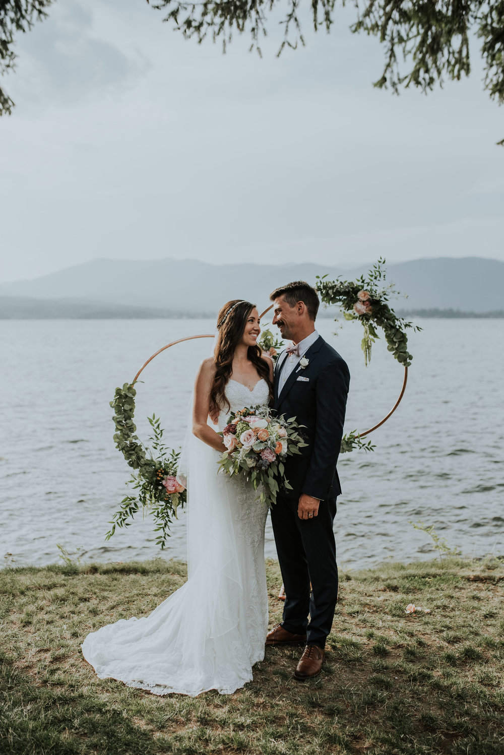 Bride and Groom Lakefront Sandpoint Idaho