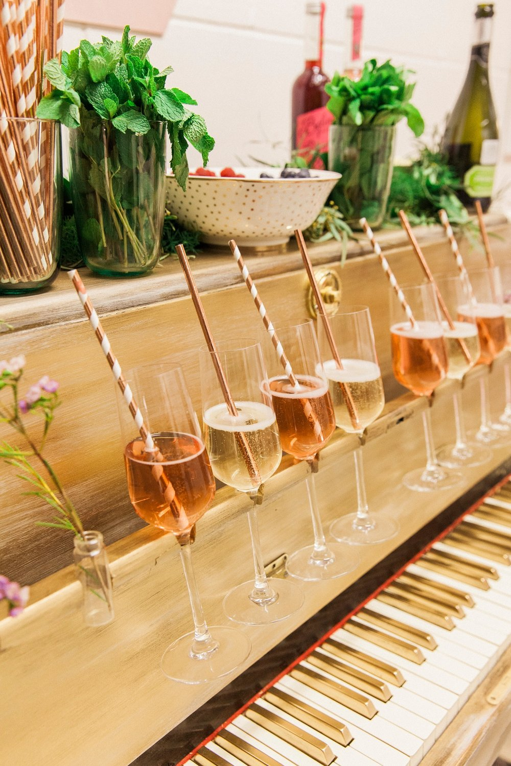 wedhead_champagne_piano_bar_wedding_hire
