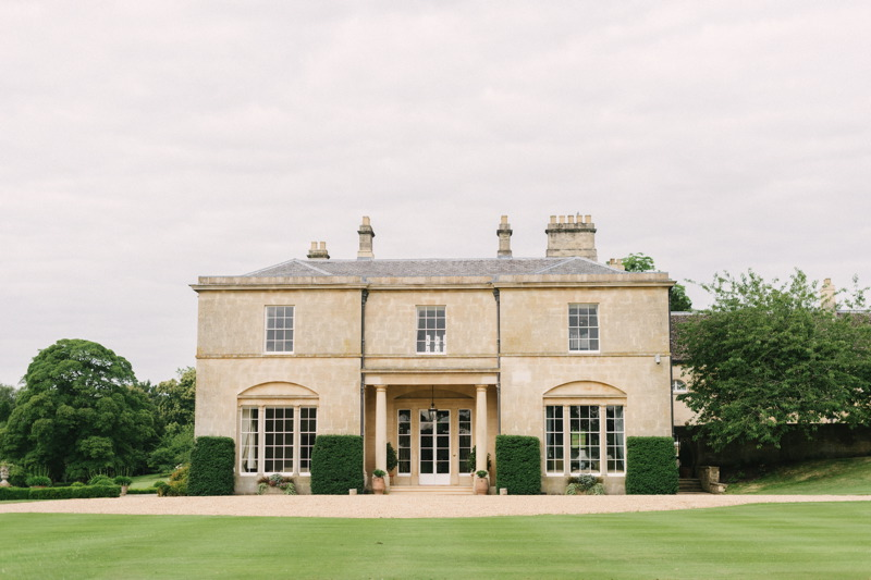 country-house-and-marquee-wedding-venue-in-stamford-holywell-hall-hannah-duffy-photography-6.jpg