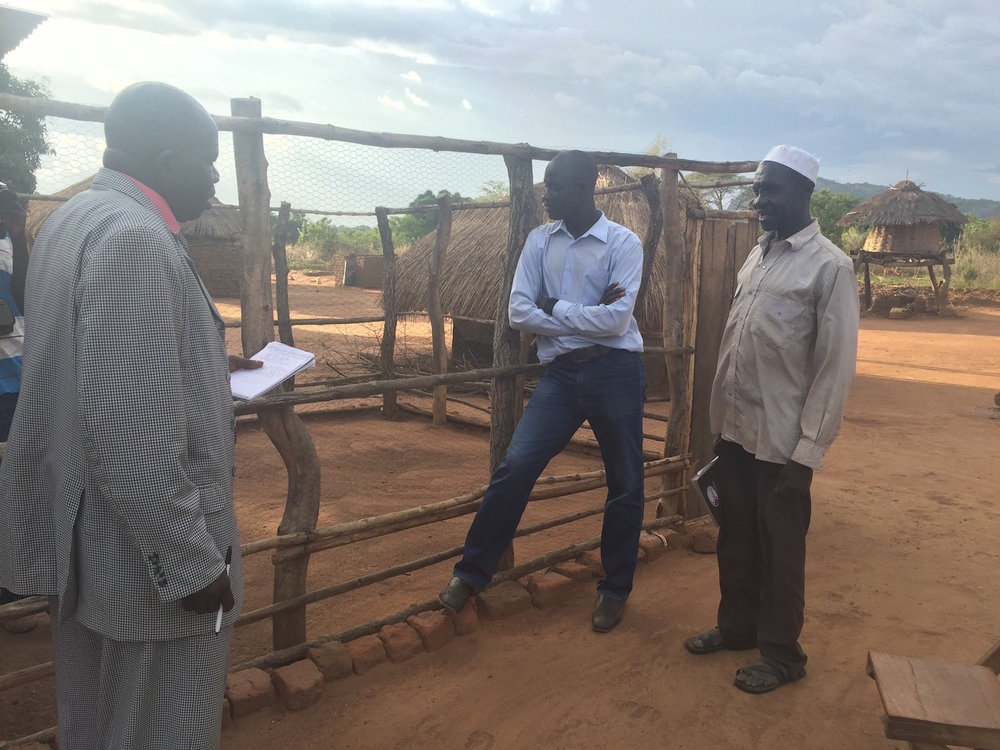 FIELD TOUR WITH RESIDENT DISTRICT COMMISSIONER OF YUMBE DISTRICT, NORTHERN UGANDA (04/07/2016)