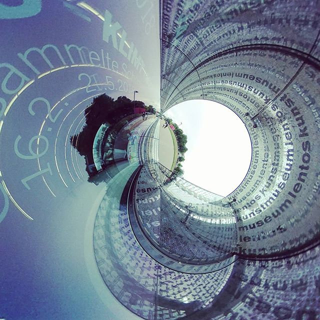 #tinyplanet #tinyworld #360 #360photo #360photography #360sphere #sphere #mi #misphere #planet #summer #austria #360camera #lifein360 #urban #explore #urbanexploration #urbanexplorer #travel #travelphotography #panorama #xiaomi #360instalife @xiaomi.global #xiaomiphotography #concrete #linz #lentos #lentoslinz #kunsthauslinz