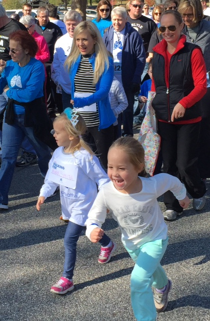 Lyla & Ayn Paker at a local run having a blast!