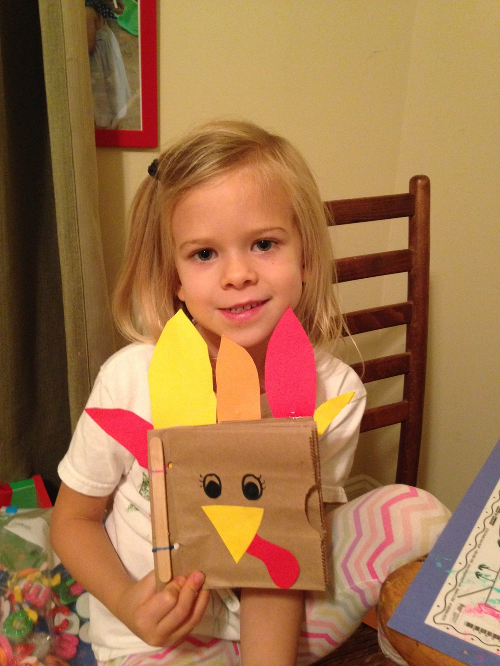 Fun thankfulness craft with sweet Lyla!