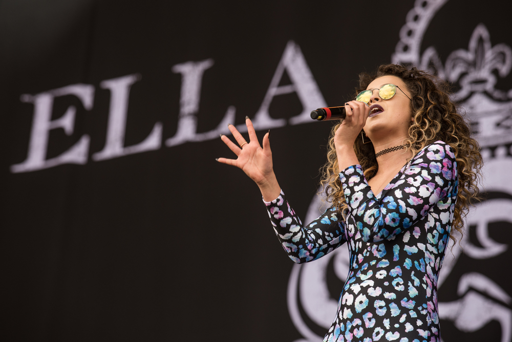 Ella Eyre covering Jess Glynne who unfortunately couldn't make the main stage Saturday, as always though Ella gives everyone a great show!