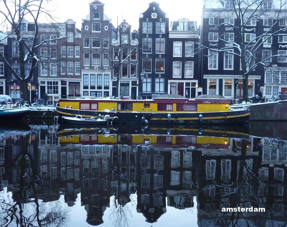 amsterdam houseboat.JPG
