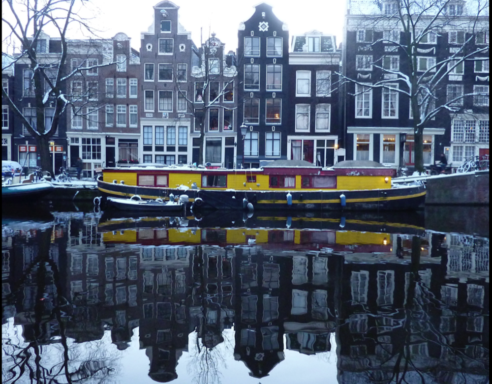 amsterdam_yellowboat.jpg