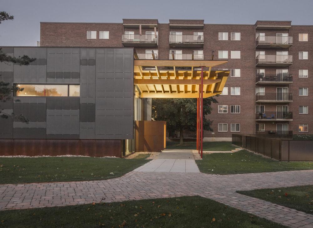 Pavillon des Tours de la Pointe - 3.jpg