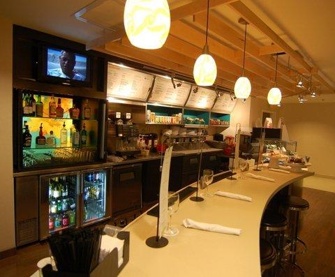 Marriott Courtyard Indy S-Bar.JPG