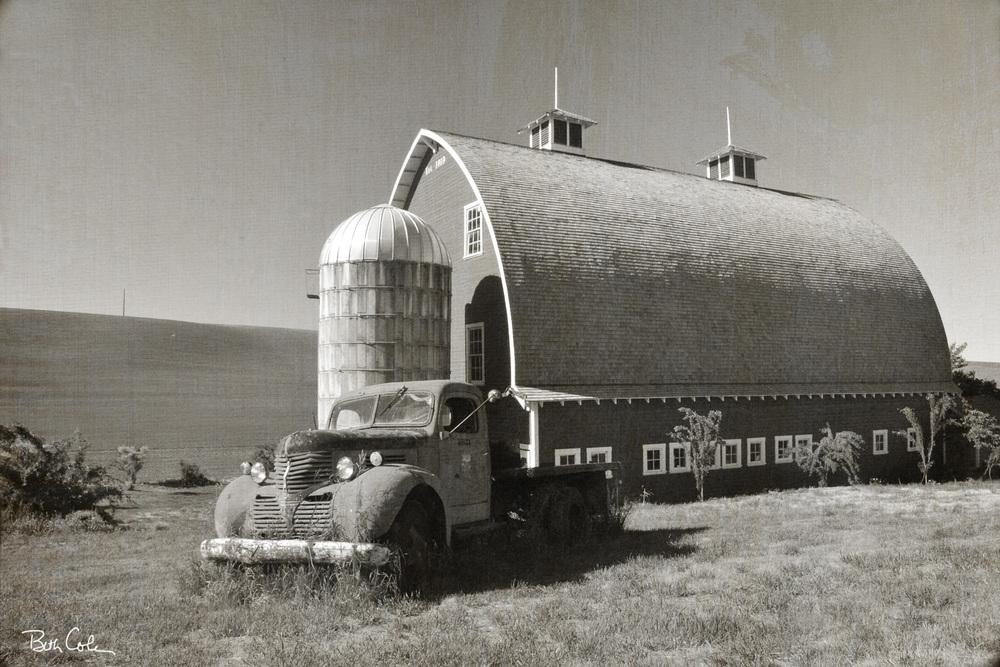 OldTruckBarn.jpg