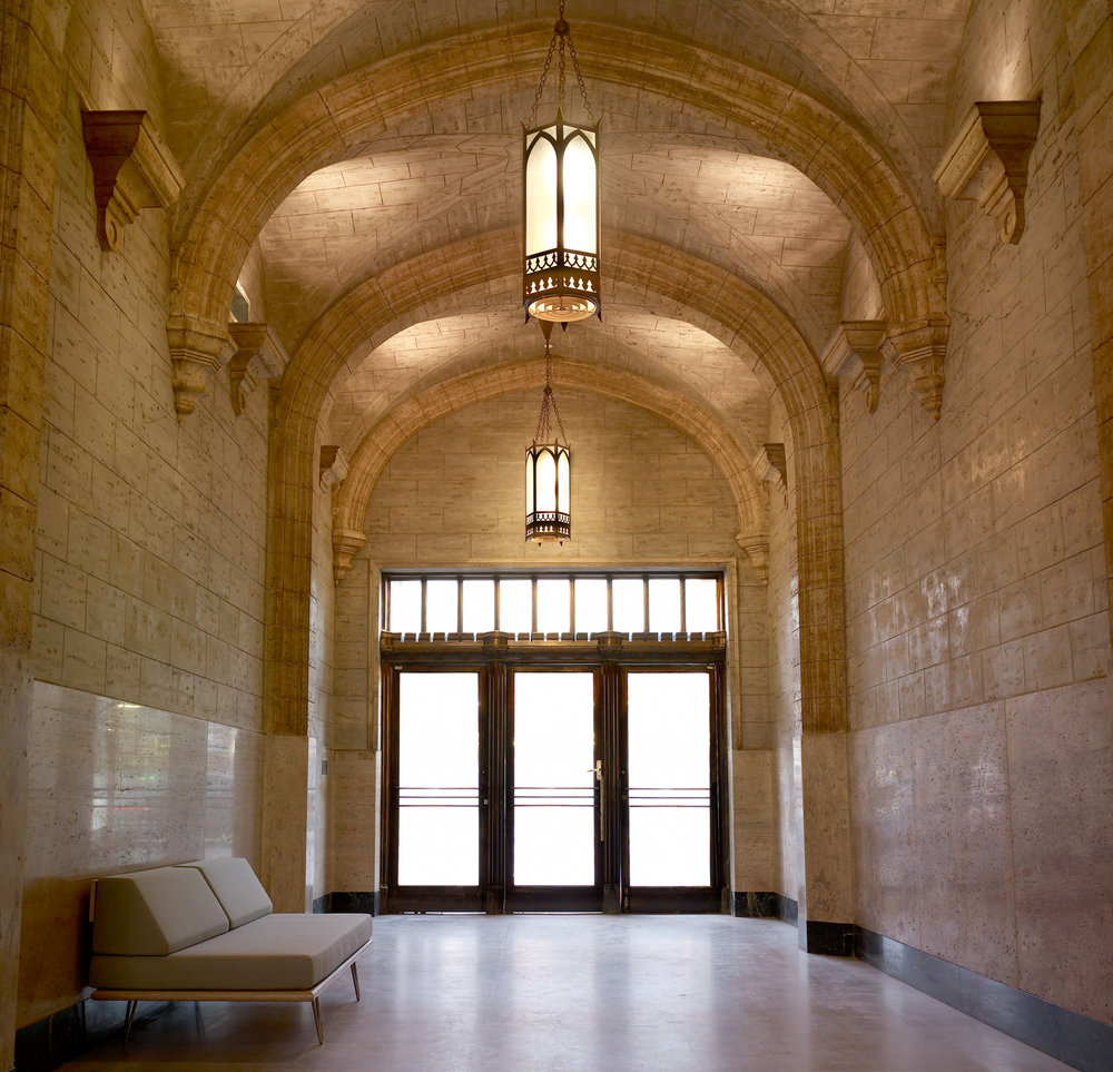 foyer_empty.jpg