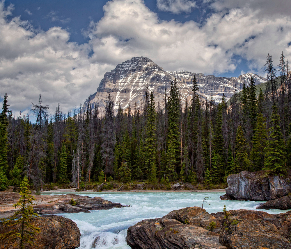 Waterfall_West_Canada_Banff_1.jpg