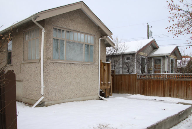 The house and its residents have been the subject of 157 visits from Calgary police and 53 bylaw infractions since 2010. (Evelyne Asselin/CBC)