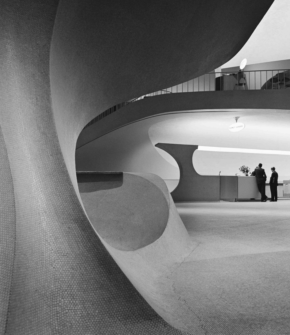 Eero Saarinen, TWA Flight Center in JFK International Airport (Queens, NY)  1962