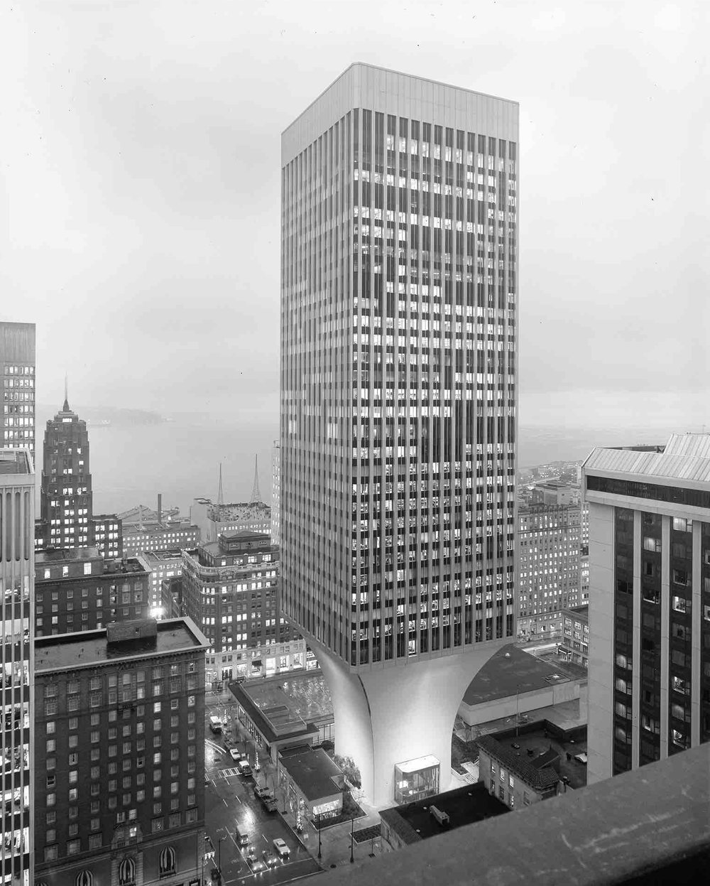 Minoru Yamasaki, Rainier Tower (Seattle, WA) 1977