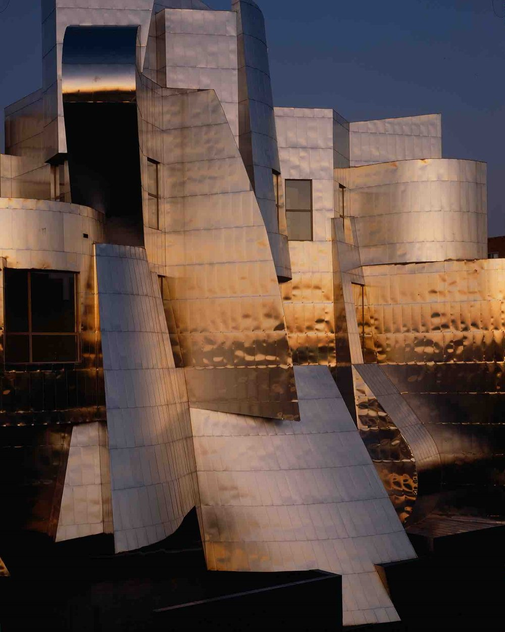 Frank Gehry, University of Minnesota, Frederick R. Weisman Museum (Minneapolis, MN) 1992