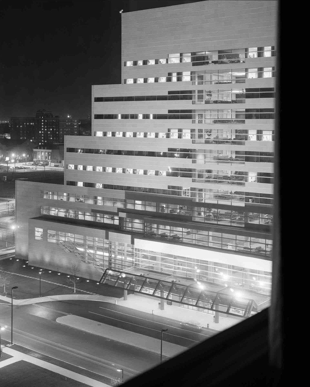 César Pelli, Cleveland Clinic (Cleveland, OH) 1986