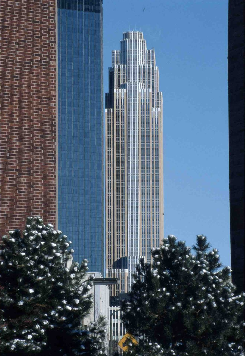 César Pelli, Wells Fargo Center — formerly Norwest Center — (Minneapolis, MN) 1988