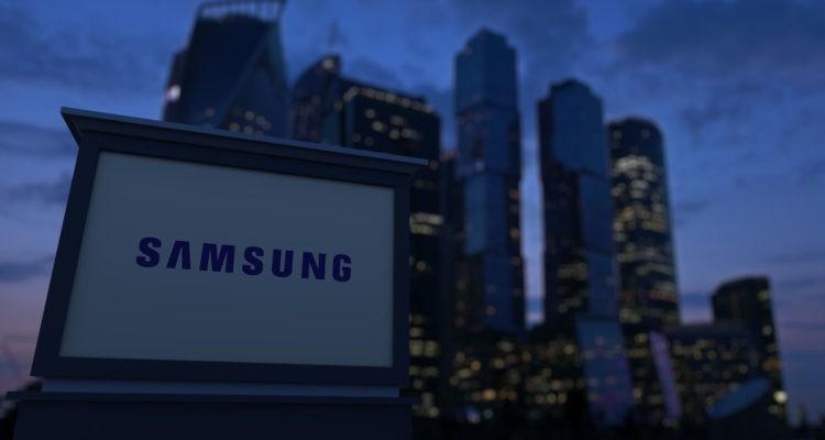 Samsung - Always On: Social media ideas & executions.