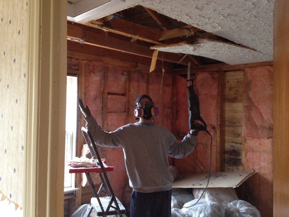 We thought about keeping the popcorn ceiling... but not for very long.