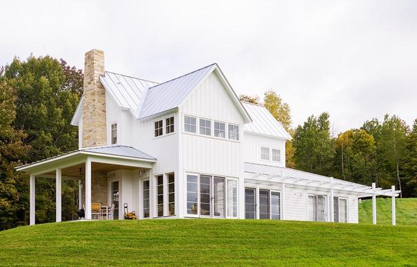 modern farmhouse exterior.jpg