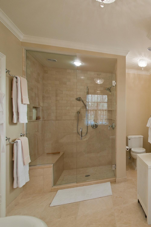 Bathrooms_04.JPG