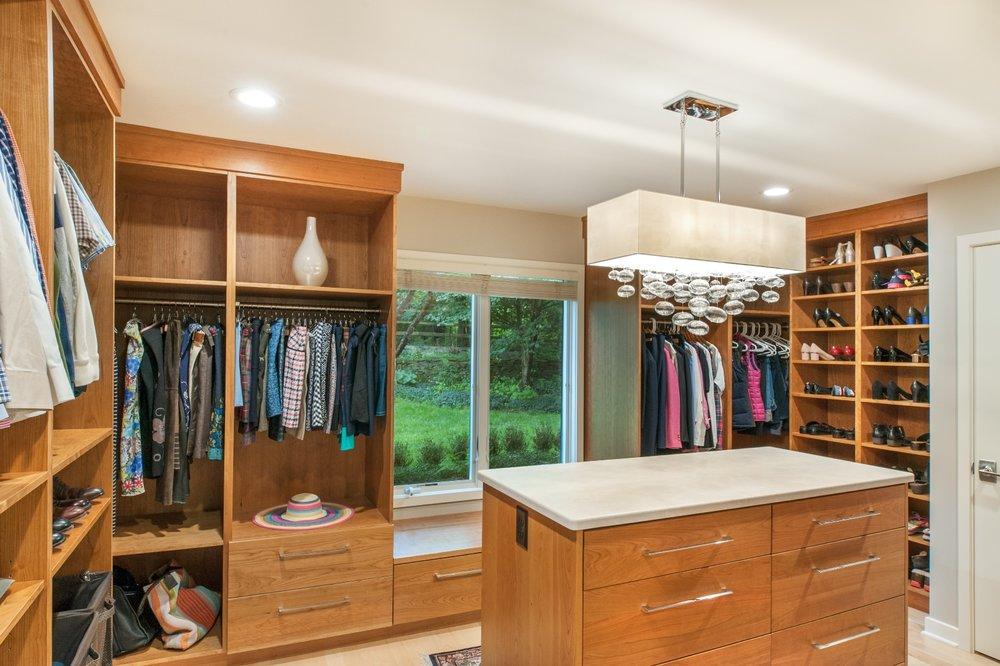 Master Suite: Ann Arbor Hills